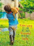 GOLDBEK Kein Weg ist lang mit Freund / Junge mit Hund auf Schulter FairMail Postkarte
