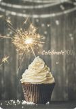 HARTUNG EDITION Celebrate you / Cupcake mit Wunderkerze FEEL GOOD Postkarte