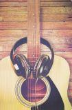HARTUNG EDITION Gitarre mit Kopfhörern FEEL GOOD Postkarte