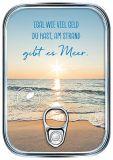 HARTUNG EDITION Egal wieviel Geld Du hast, am Strand gibt es Meer metallic effect refined postcard